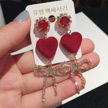 ต่างหูแฟชั่นเกาหลีก้านเงิน S925 อะไหล่ทองหัวใจแดงกำมะหยี่ห้อยโบว์เพชร