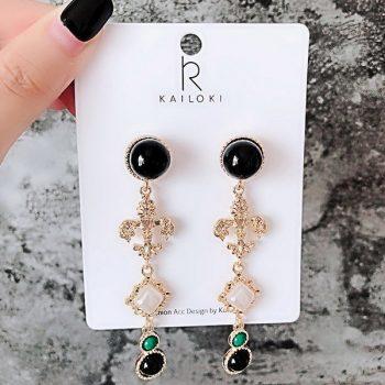 ต่างหูเกาหลีก้านเงิน S925 อะไหล่ทองห้อยระย้ายาว Baroque earrings ประดับอัญมณีสีดำสลับสีเขียวทรงกลม