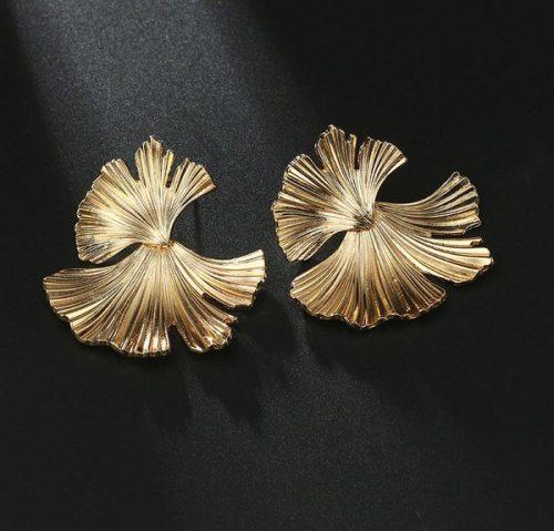 ต่างหูเกาหลีอะไหล่ทองทั้งตัวแต่งลายใบไม้ห้อย 2 ชั้นใบล่างแกว่งเคลื่อนไหวดี