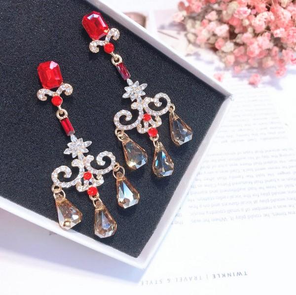 ต่างหูเกาหลีก้านเงิน S925 อะไหล่ทอง Baroque earrings ประดับอัญมณีสีแดงแต่งเพชรห้อยคริสตัล