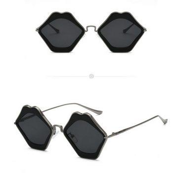 แว่นตากันแดดแฟชั่น Black Lips กรอบเงินรมดำเลนส์สีดำ