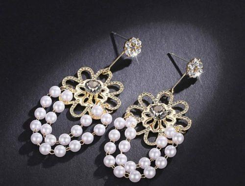 ต่างหูเกาหลีก้านเงิน S925 อะไหล่ทองหมุดดอกไม้พลอยสีนิลห้อยดอกไม้ตรงกลางประดับพลอยสีนิลแต่งไข่มุกห้อย