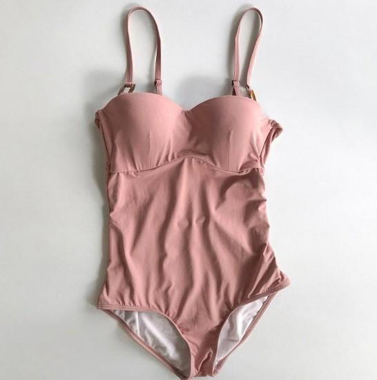 ชุดว่ายน้ำวันพีชสีชมพูนู้ดสายแต่งห่วงสี่เหลี่ยมทรงเข้ารูปเก็บก้น