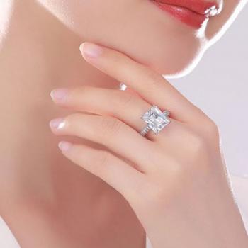 แหวนเพชรสวิส CZ Princess cut เกรด AAA+ ตัวเรือนเป็นเงินแท้ S925 ไซส์ 5