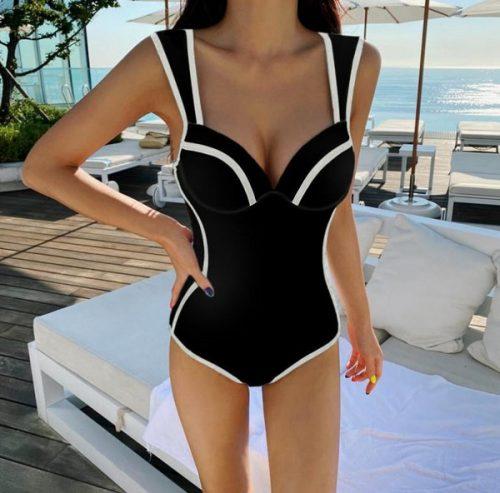 ชุดว่ายน้ำวันพีชสีดำแต่งขอบขาวทรงเข้ารูปเก็บก้น